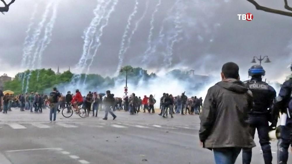 Разгон митинга во Франции
