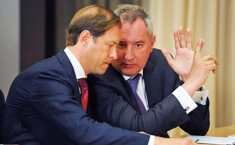 Заместитель Председателя Правительства Дмитрий Рогозин и министр промышленности и торговли Денис Мантуров