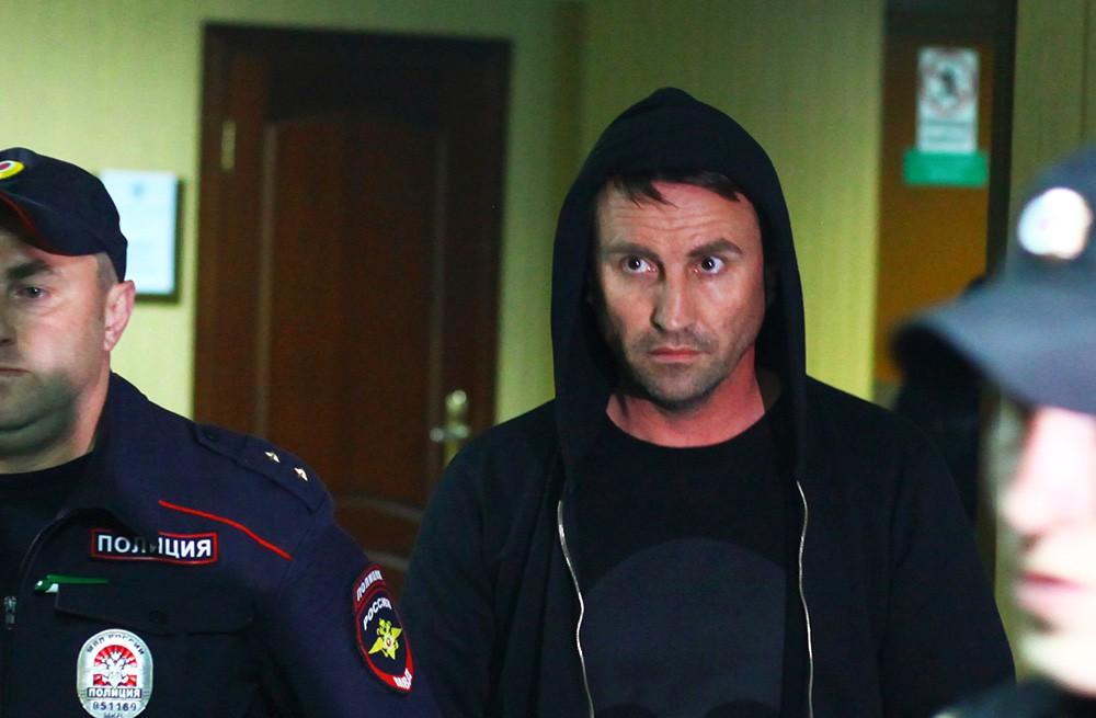 Задержанный по делу о массовой драке на Хованском кладбище Юрий Чабуев в Пресненском суде