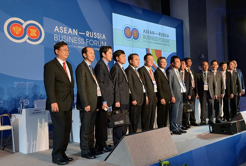 Участники перед началом делового форума Россия — АСЕАН