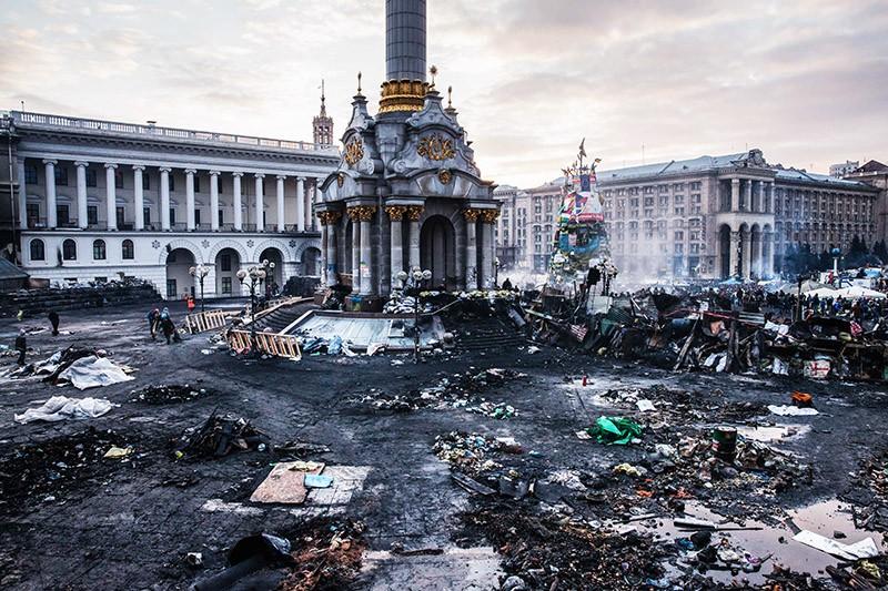 Площадь Независимости в Киеве во время беспорядков. Февраль 2014 год