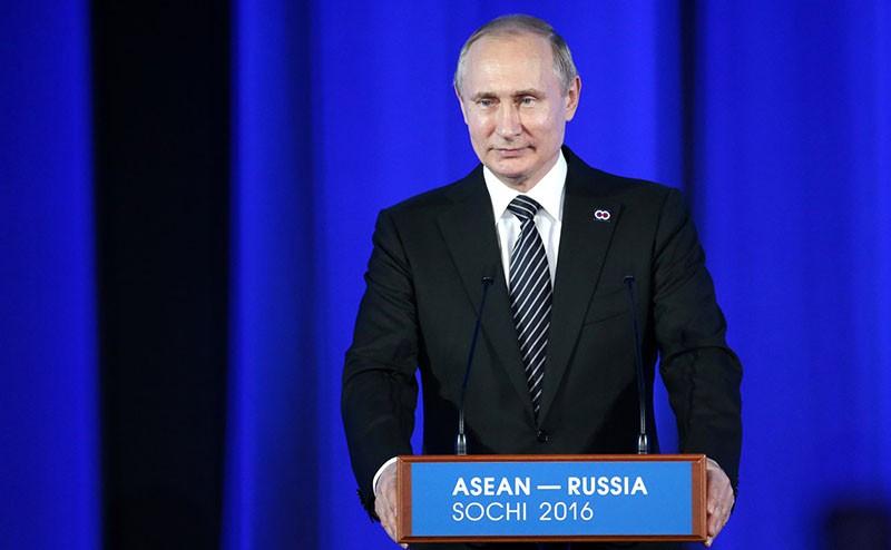 На торжественном приёме от имени Президента Российской Федерации Владимира Путина в честь глав делегаций – участников саммита Россия – АСЕАН