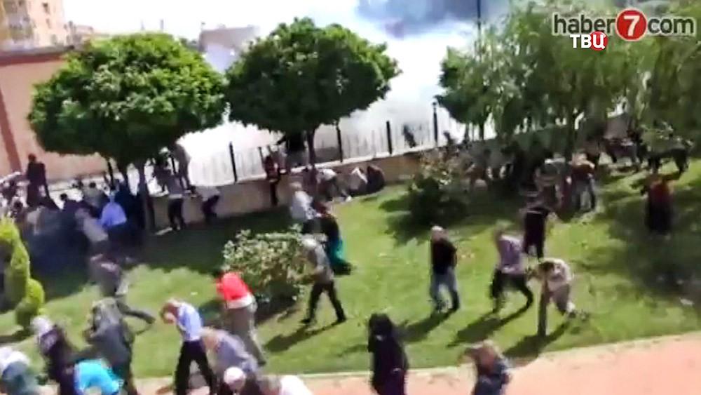Разгон митинга в Турции
