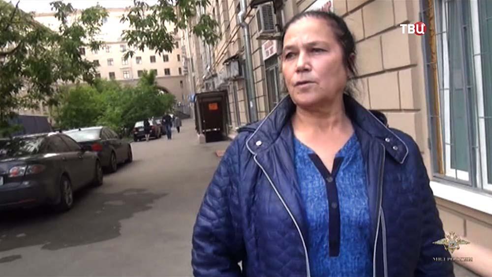 Женщина пытавшаяся продать ребенка
