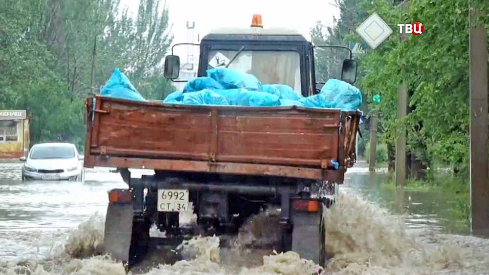 Последствия сильного ливня в Волгограде