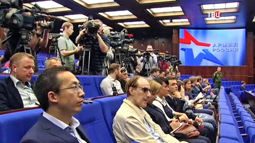 Пресс-конференция в Миобороны РФ