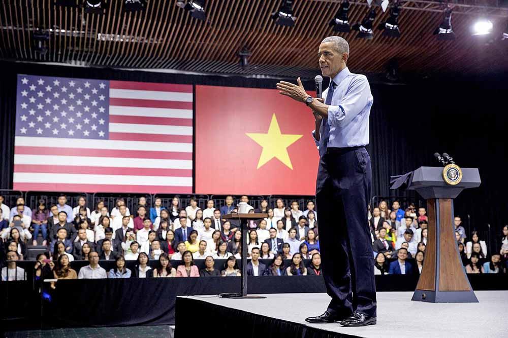 Президент США Барак Обама во Вьетнаме