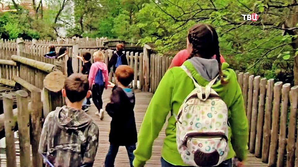 Посетители зоопарка в США