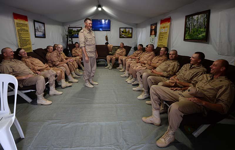 """Российские военнослужащие на авиабазе """"Хмеймим"""" в Сирии"""