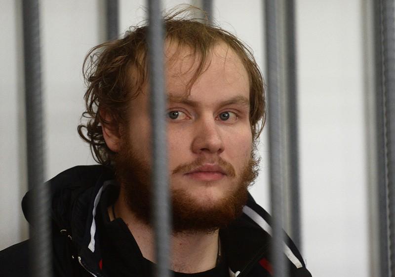Антон Иванюженков в зале суда