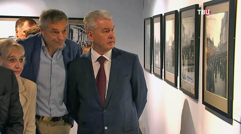 Сергей Собянин на выставке в Париже