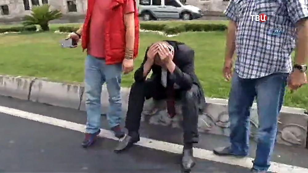 Жители Турции на месте происшествия