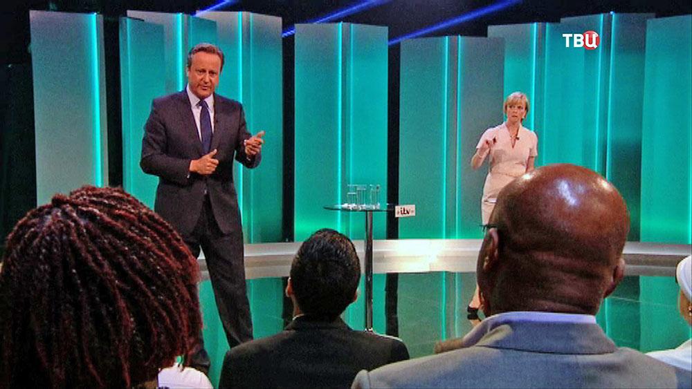 Дэвид Кэмерон выступает на теледебатах