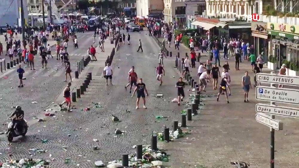 Столкновения футбольных фанатов во Франции