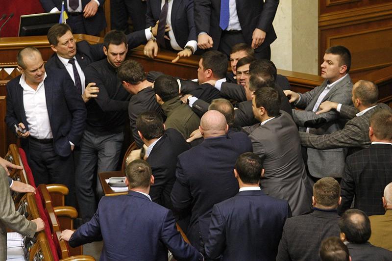 Потасовка на заседании Верховной Рады Украины
