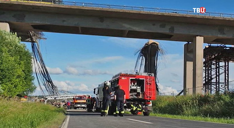 Обрушенный мост в Германии