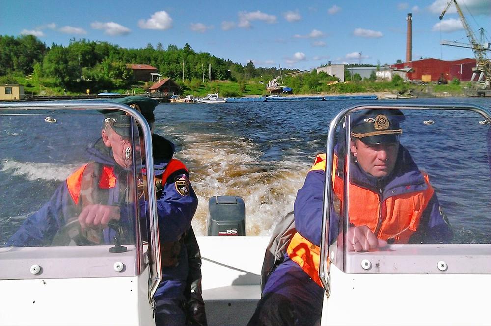 Спасательный катер МЧС Россия