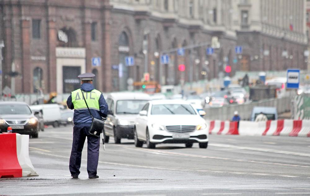 Инспектор ДПС на улице Тверская