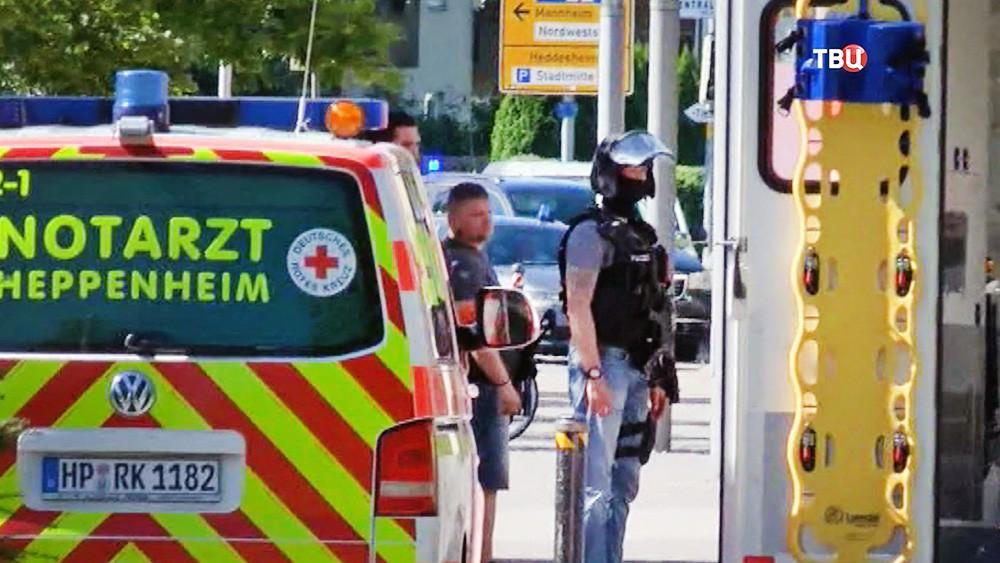 Экстренные службы Германии на месте происшествия