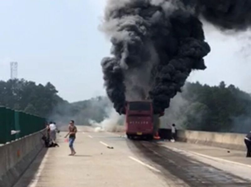 Возгорание автобуса в Китае