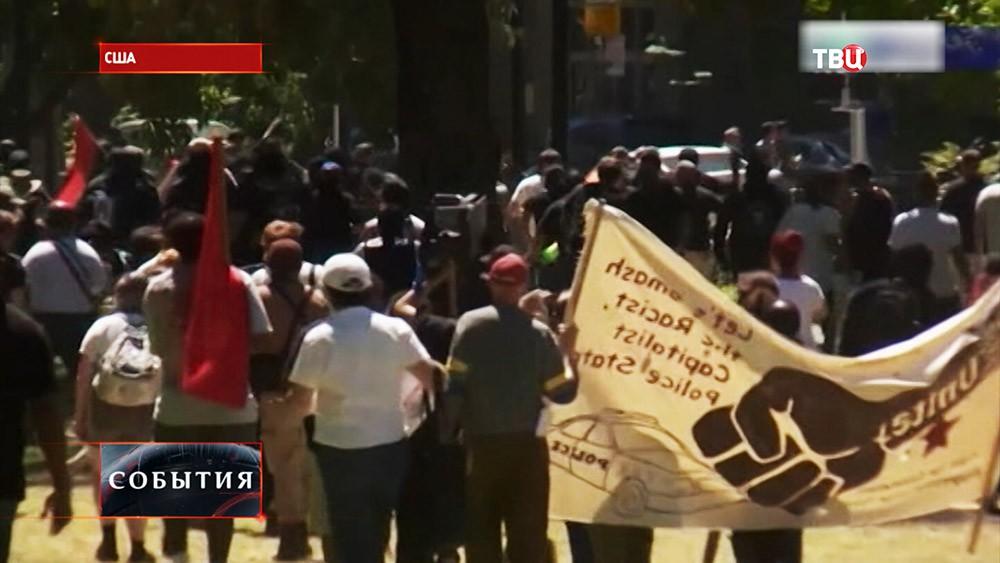 Демонстрация неонацистов в США