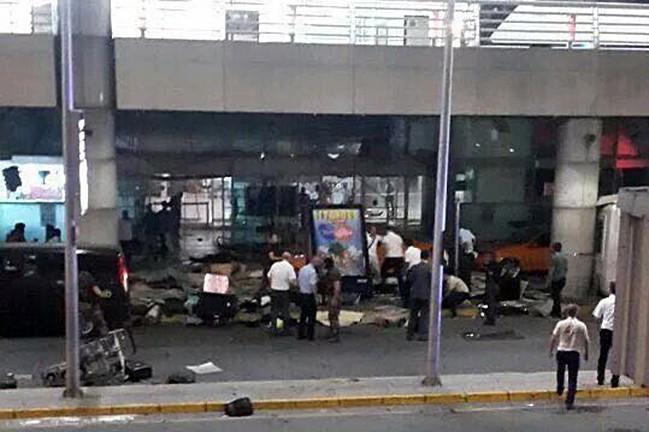 Последствия теракта в аэропорту Стамбула