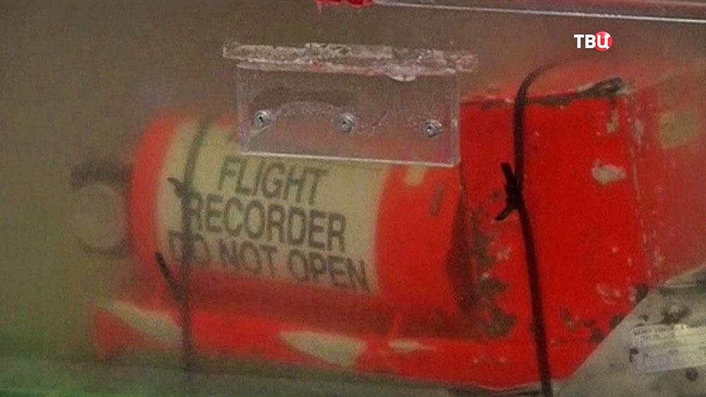 Черные ящики с разбившегося самолета авиакомпании EgyptАir A320