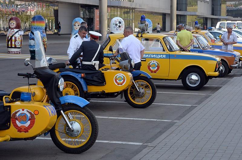 Специализированная выставка ретро-автомобилей в рамках празднования 80-летия ГИБДД МВД России