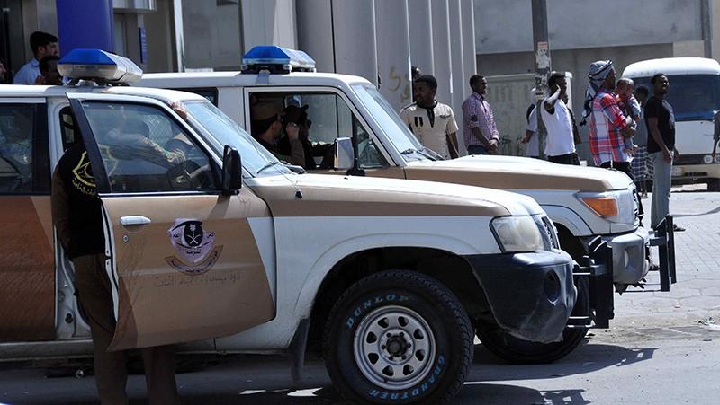 Автомобили полиции Саудовской Аравии на месте происшествия