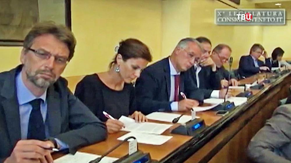 Еще водном регионе Италии путинское лобби требует отменить санкции противРФ