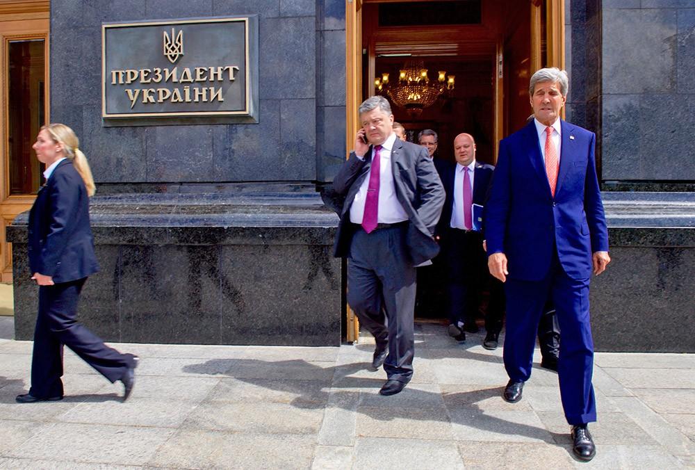 Президент Украины Пётр Порошенко и госсекретарь США Джон Керри