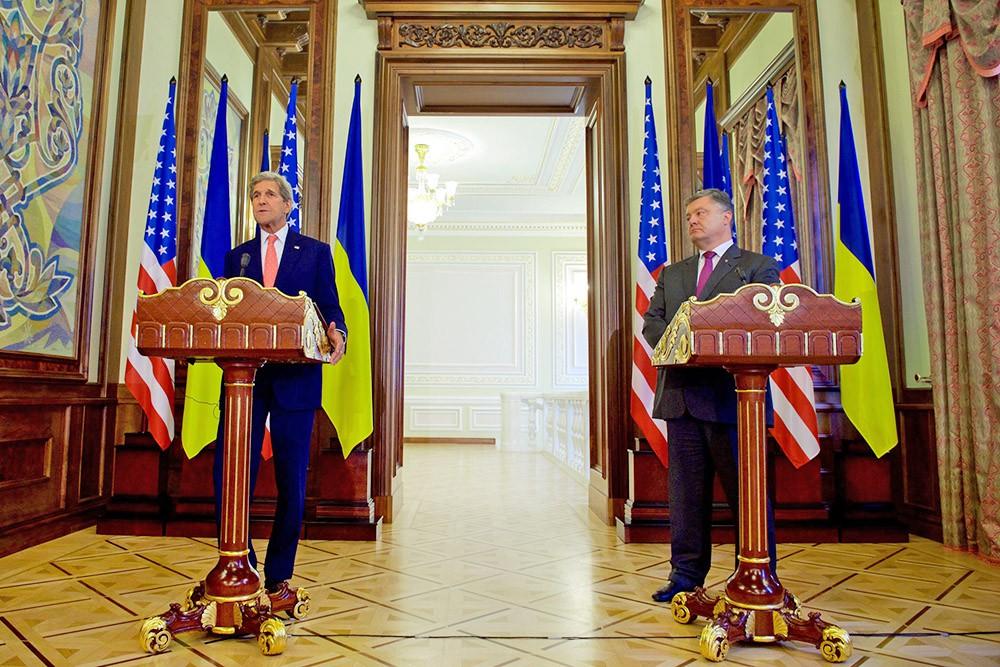 Госсекретарь США Джон Керри и президент Украины Пётр Порошенко