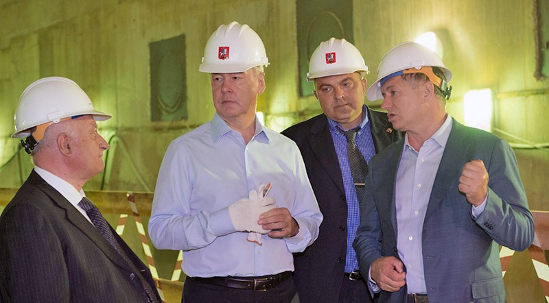 Сергей Собянин осматривает станцию метро