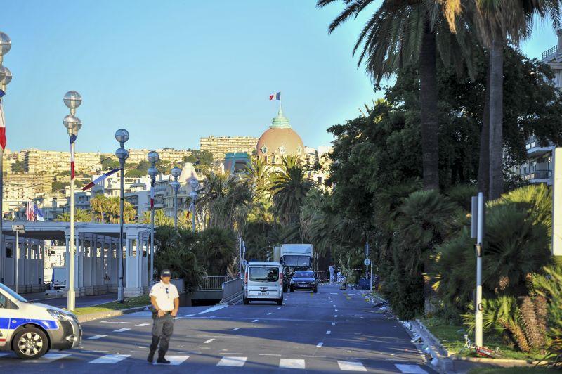 Полиция на месте теракта во Франции
