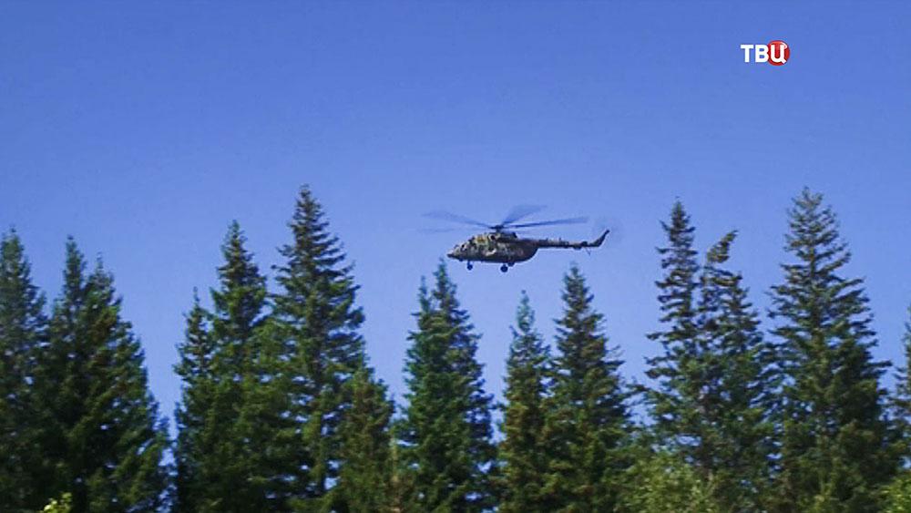 Вертолет Ми-8 ВКС России