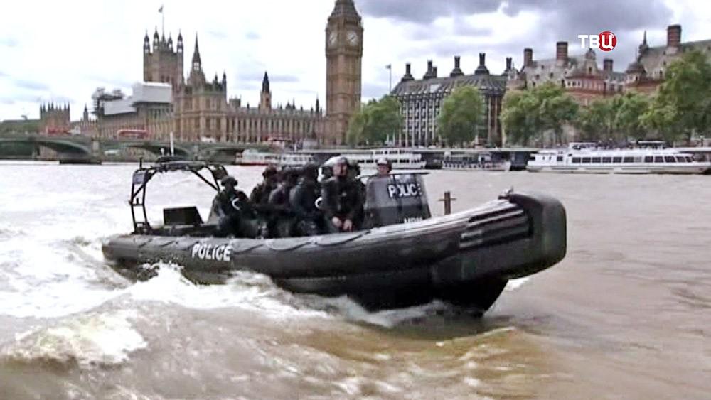 Катер полиции в Лондоне