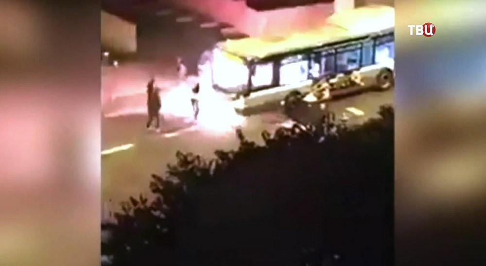 Поджог автобуса во Франции