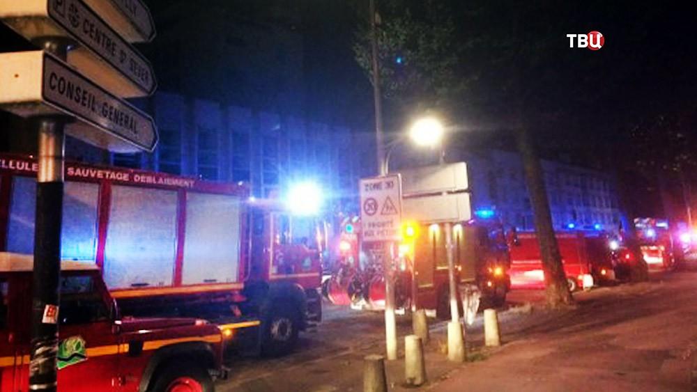 Пожарные Франции на месте происшествия