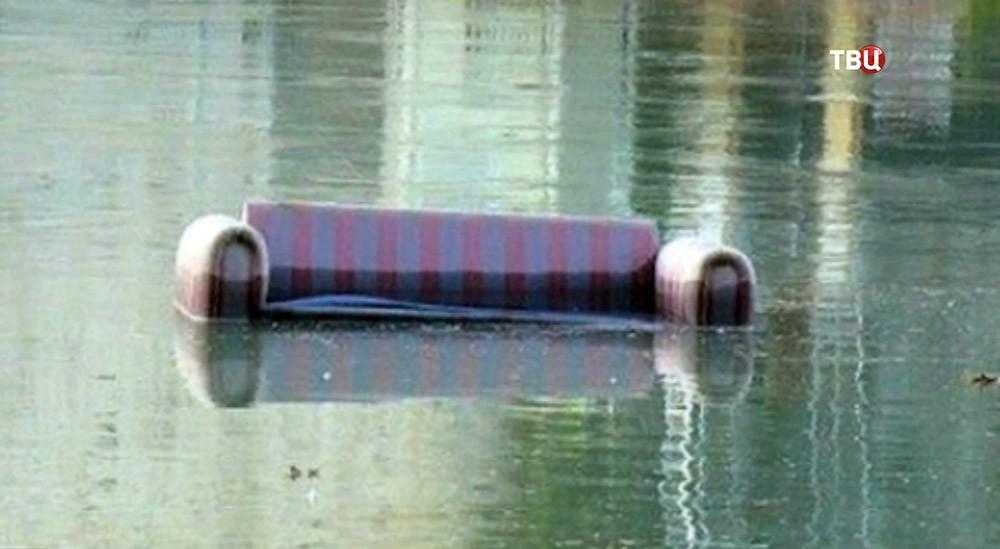Диван в гребном канале на Олимпийских играх в Рио-де-Жанейро