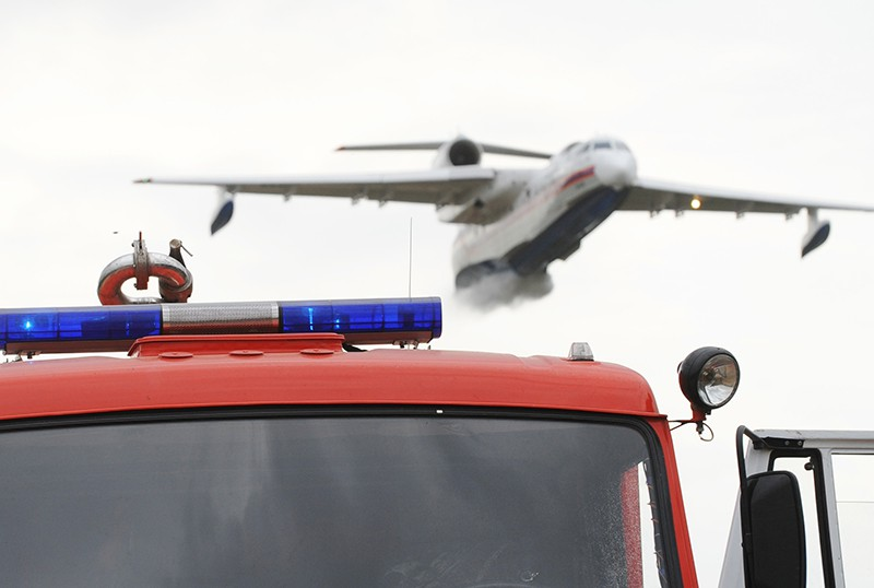 Самолет МЧС Бе-200