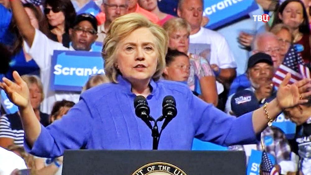 Колин Пауэлл опочтовом скандале: Клинтон «пытается повесить все наменя»
