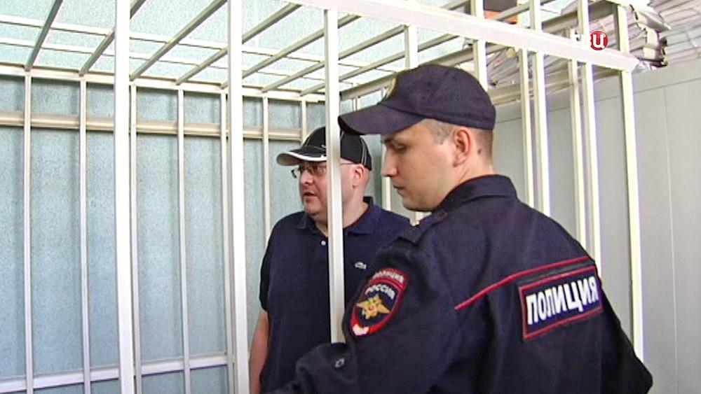 Экс-полицейский Алексей Алёхин соучастник в захвате квартиры