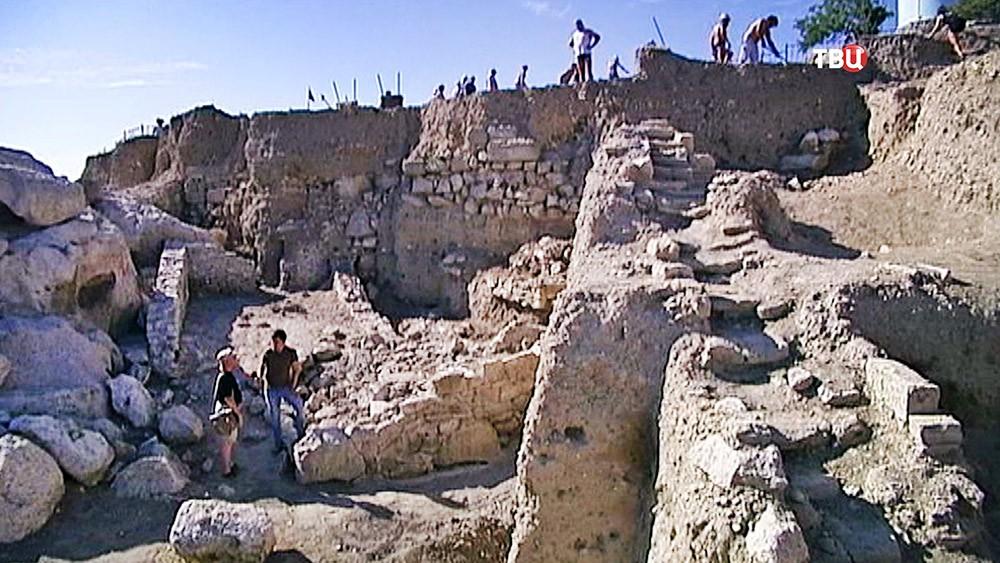 Древняя крепость в Крыму