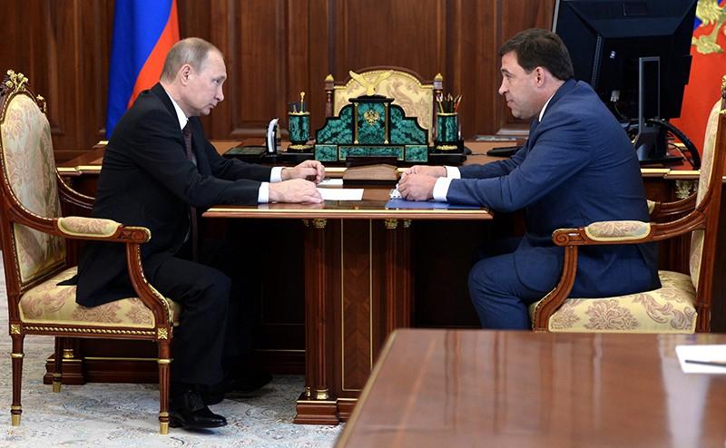 Владимир Путин с губернатором Свердловской области Евгением Куйвашевым