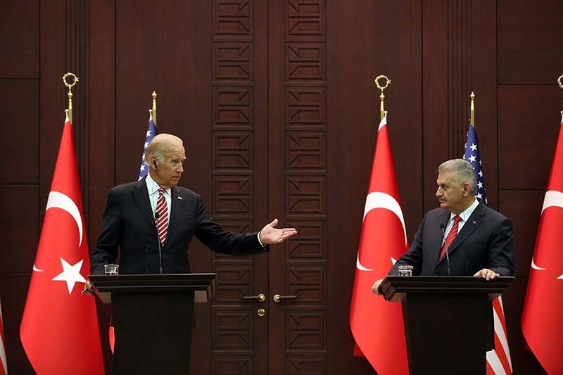Вице-президент США Джо Байден и премьер министр Турции Бинали Йылдырым