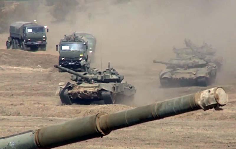 Мотострелковые и артиллерийские соединения во время марша