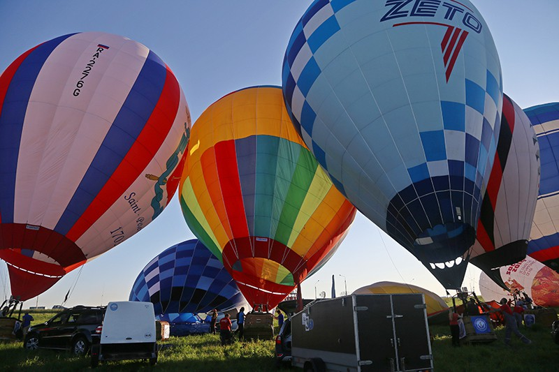 Воздушные шары перед взлетом