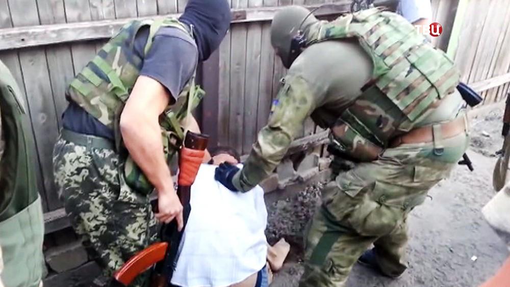 Издевательства украинских военных над пленными