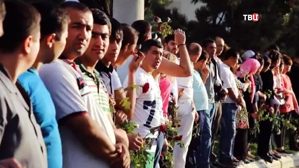 Жители Узбекистана на церемонии прощания с президентом Исламом Каримовым