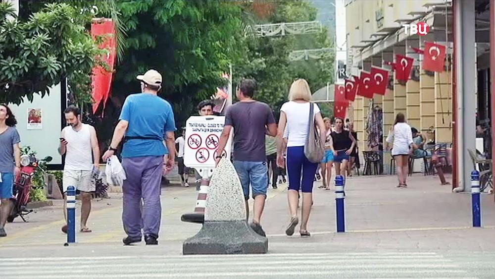 Туристы в Турции